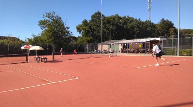 Verslag tennis dubbeltoernooi